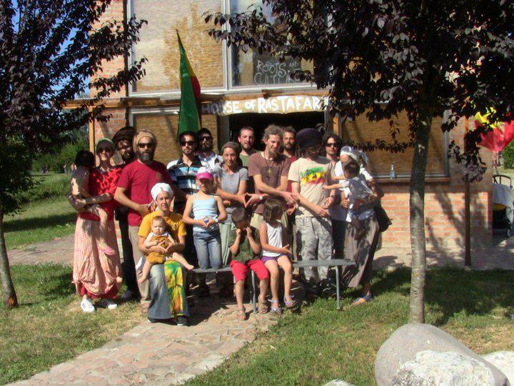 2011_06_House_of_Rastafari_Zion_Station_0003