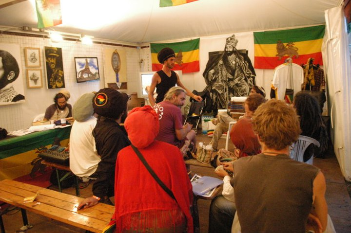 2006_07_House_of_Rastafari_Rototom_0001