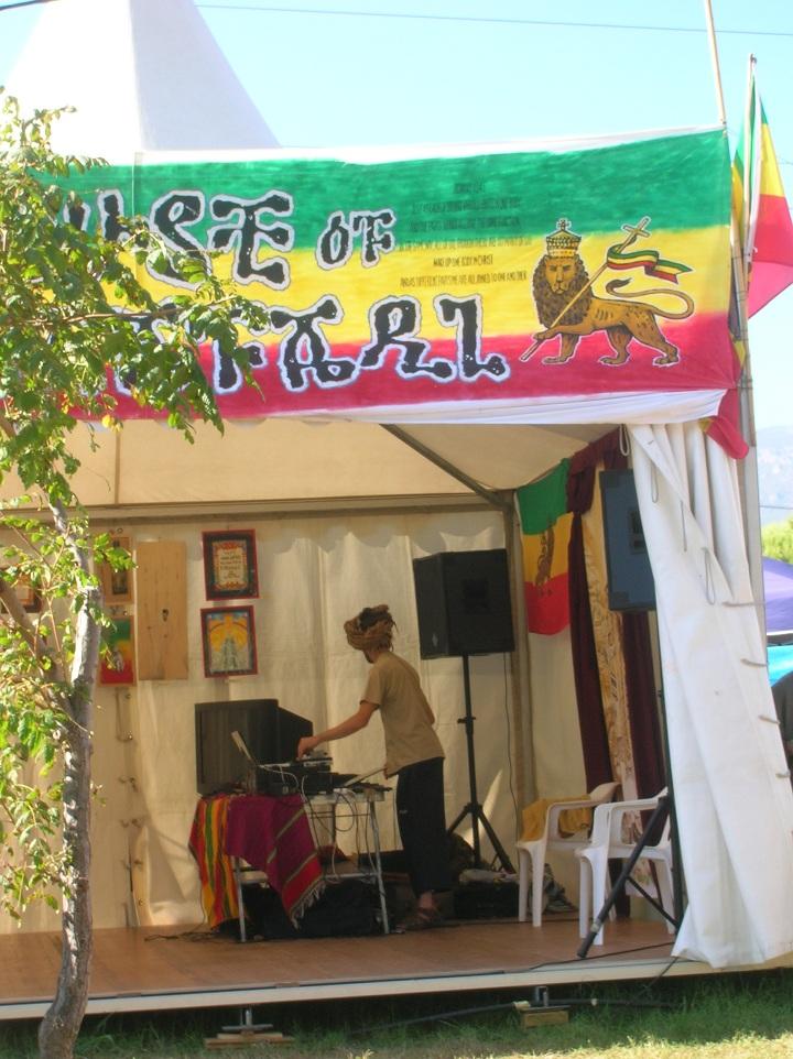 2010_07_House_of_Rastafari_Rototom_0008
